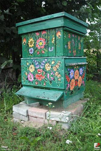 ruche-peinte1-pologne